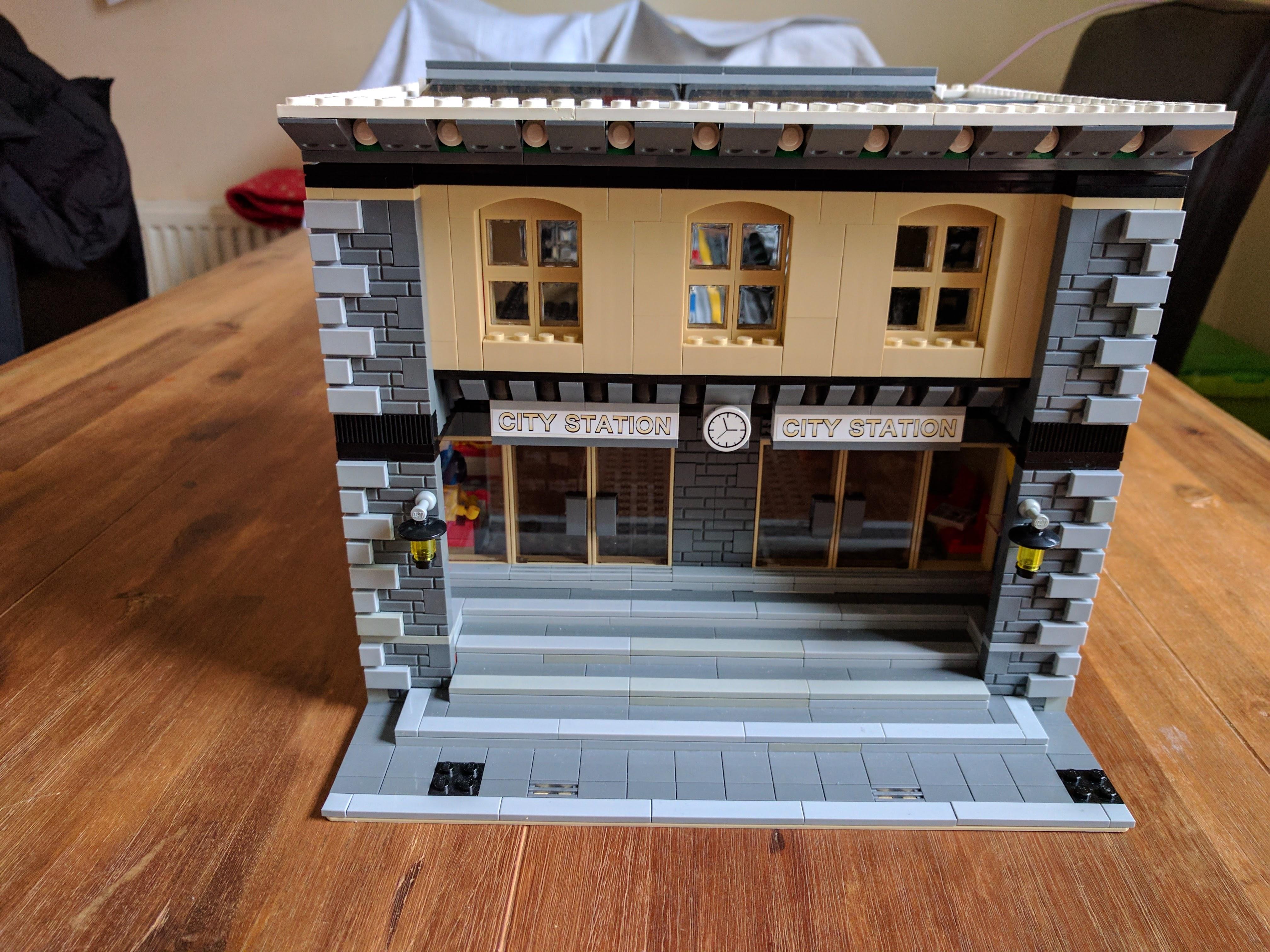 LEGO Train Station Update 3 · Miek Gieben